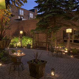 Outdoor courtyards - The Pavilion at Algoma's Water Tower Inn & Suites